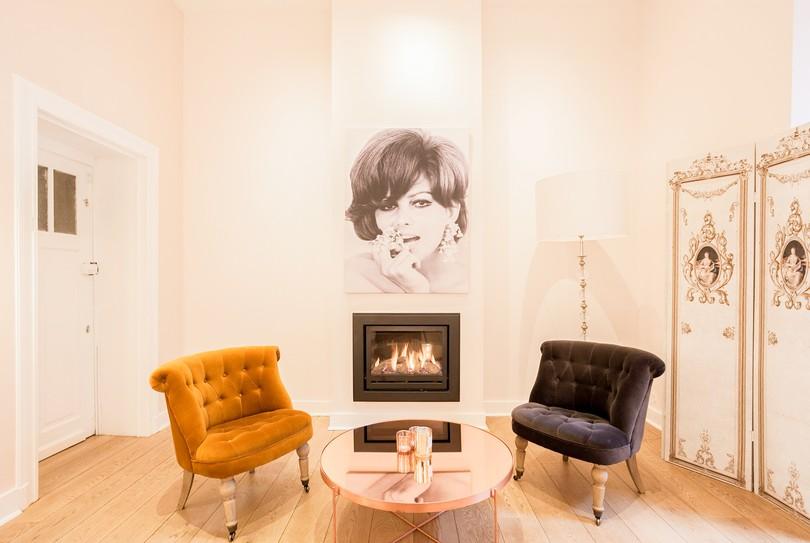 r server maintenant le boudoir du regard soin du corps dans ixelles sur tre. Black Bedroom Furniture Sets. Home Design Ideas