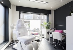 Nails Hoevenen (Getting your nails done) - Beauty Nails Steffie