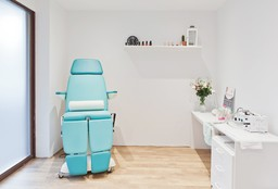 Nails Rotterdam ((Cosmetic) Pedicure) - van Zwieten Pedicure