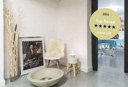 Hairdresser Antwerpen (Perm) - Haircare at Home