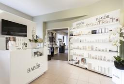 Merksem - Beautycenter Chamyr