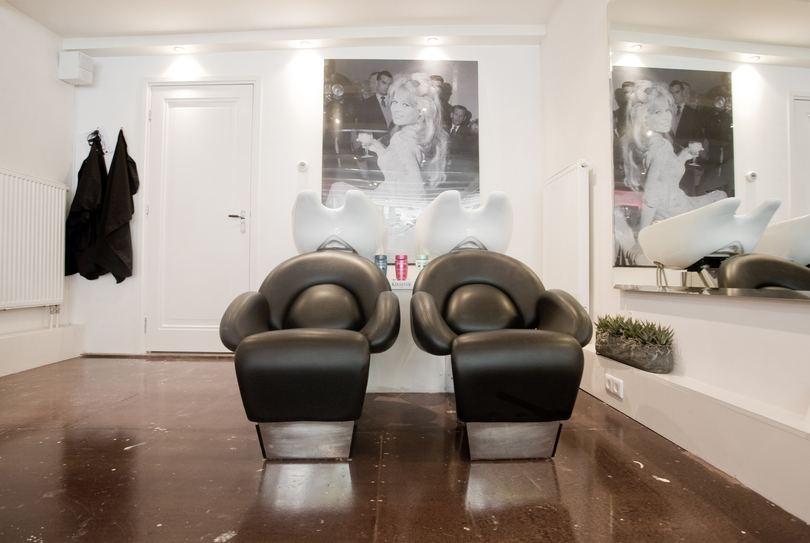 Boek direct salon iv kapper in amsterdam bij - Hoe een vierkante salon te voorzien ...