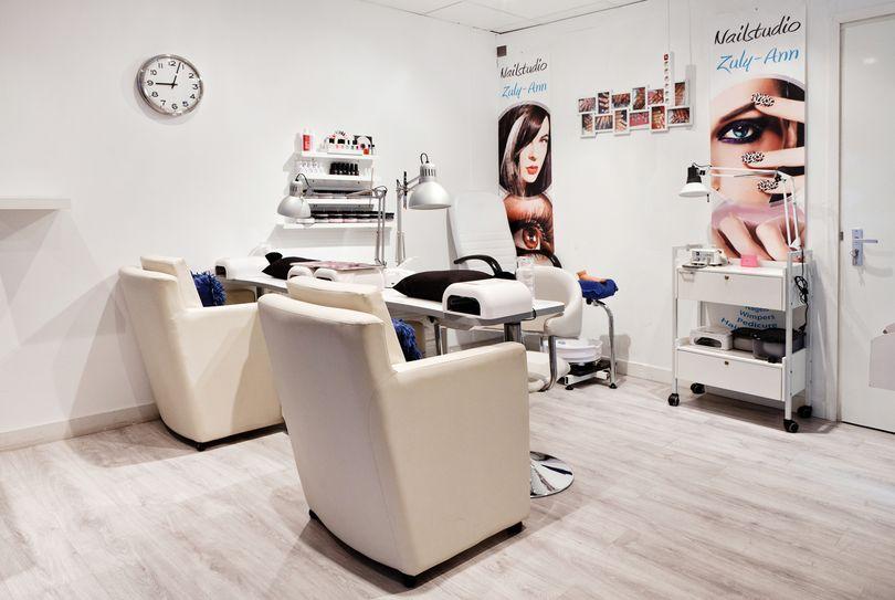 Nailstudio Zuly-Ann, Dordrecht - Kapper - Van Blanckenburgstraat 9