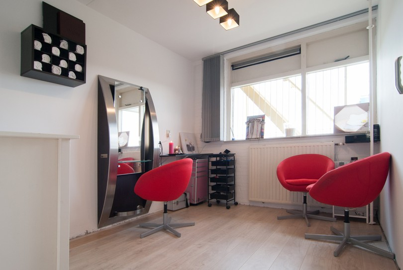 Londie's Hair & Beauty, Zoetermeer - Kapper - Jagersbos 127