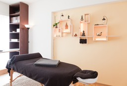 Nails Forest (Hand & Foot massage) - Vitalité Zen