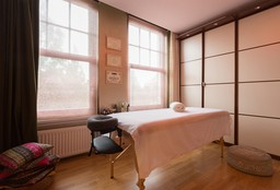 Massage Amsterdam (Deep Tissue massage) - Santulana