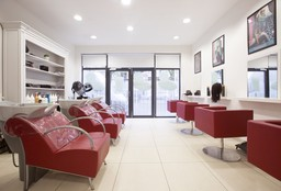 Hairdresser Etterbeek (Children's haircut) - Aha Beauty Institute