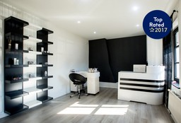 Nails Waterloo ((Cosmetic) Pedicure) - Essenti'elle - Waterloo