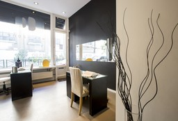 Nails Ixelles (Getting your nails done) - Wax Zone - Châtelain