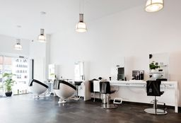 Hairdresser Schiedam (Black Hair) - Araz Kapsalon