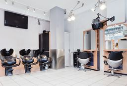 Hairdresser Rotterdam (Hair straightening) - Hairstudio Carmen