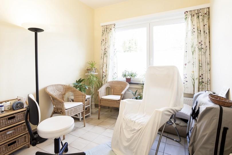 Porta Pedes, Lint - Massage - Heidelaan 30