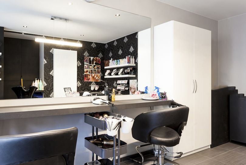 Hair & Nails Exellent, Oostakker - Hairdresser - Gentstraat 163A