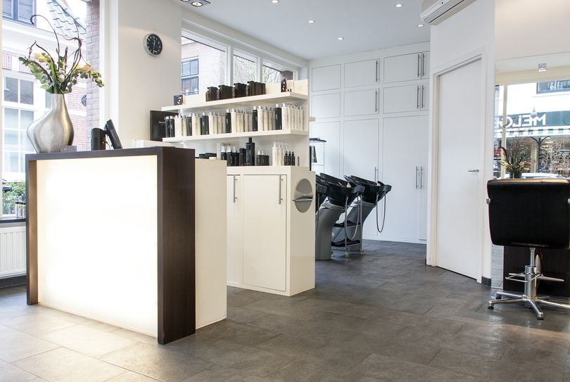 Reviews mixt styling haarlem centrum kapper in haarlem for Kappers interieur