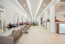 Hairdresser Berchem-Sainte-Agathe (Waves) - Diana Arutunian
