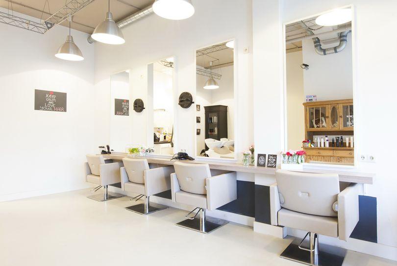 Kapsalon Zus enZo, Arnhem - Hairdresser - Eimerssingel-West 23