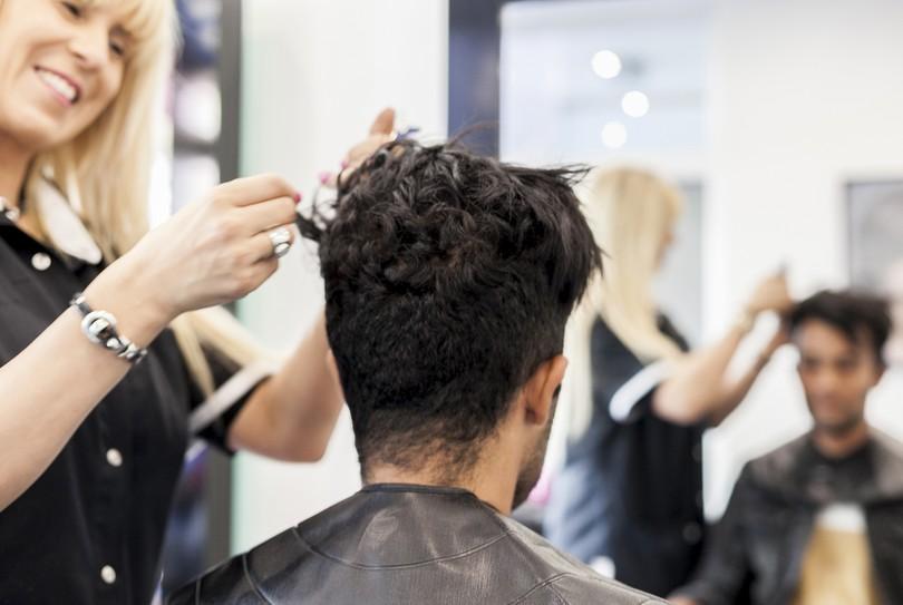 R server maintenant lola coiffure hommes coiffeur dans for Salon epilation homme
