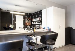 Hairdresser Oostakker (Blow dry / styling) - Hair & Nails Exellent