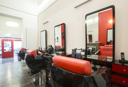 Hairdresser Saint-Gilles (Blow dry / styling) - Cliona Beauty