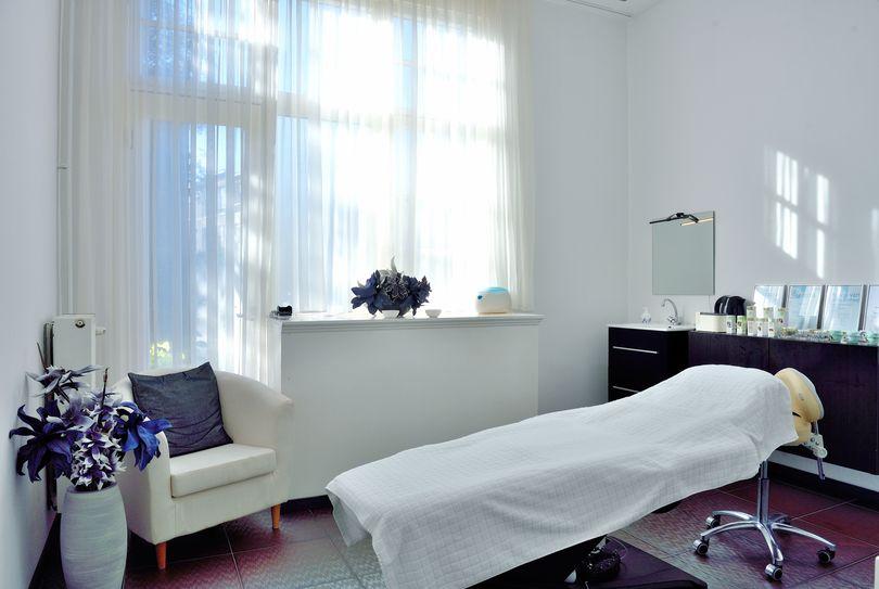 MK Beauty Care, Den Haag - Gezicht - Willem de Zwijgerlaan 64