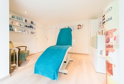 Massage Wilrijk ((Herbal) Stamp Massage) - Schoonheidssalon Exquisa