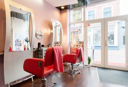 Hairdresser Leiden (Hair straightening) - Zakiea Hair en Beautysalon