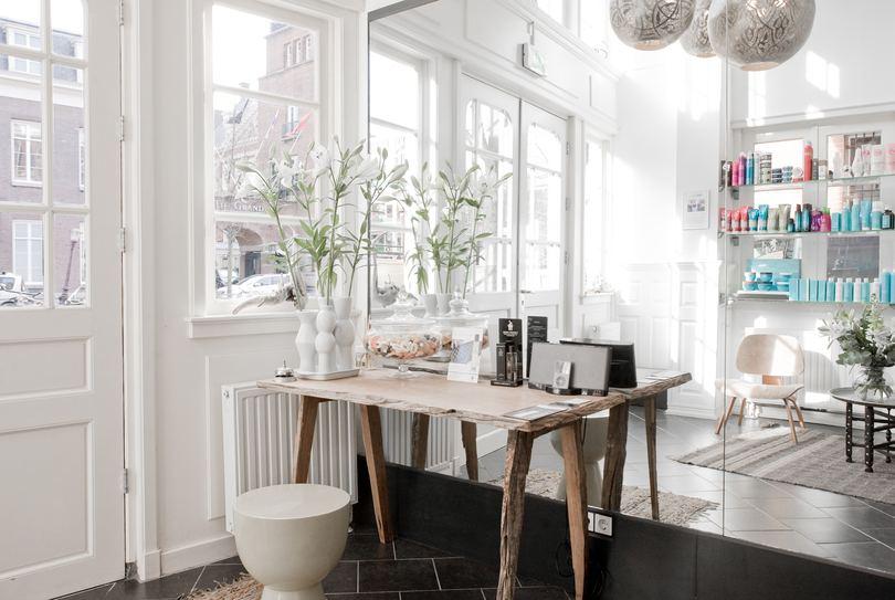Lotfi, Amsterdam - Hairdresser - Oudezijds Voorburgwal 260