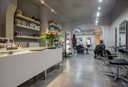 Nails Gent ((Cosmetic) Pedicure) - Gryson kappers - visagie
