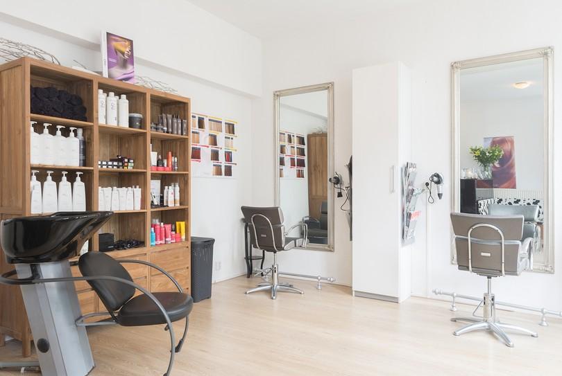 Salon R, Zaandam - Hairdresser - Hogendijk 48