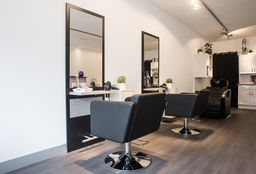Nails Tilburg (Getting your nails done) - Allhairz & Allfeetz