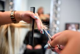 Hairdresser Den Haag (Hair straightening) - Kapsalon Shirley