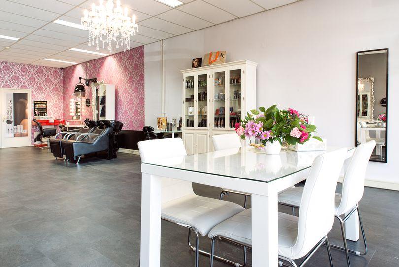 Hair & Beautysalon Lina, Utrecht - Hairdresser - Bartoklaan 13