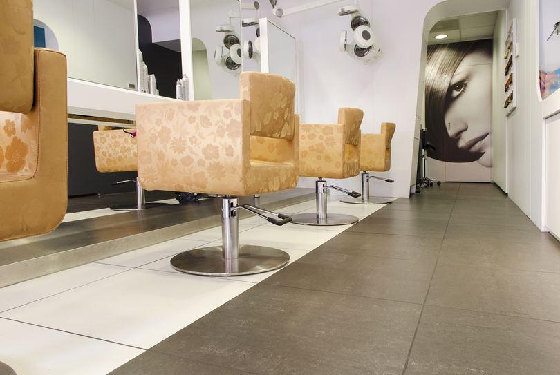 Trendline Kappers - Almere, Almere - Hairdresser - Stationsplein 32