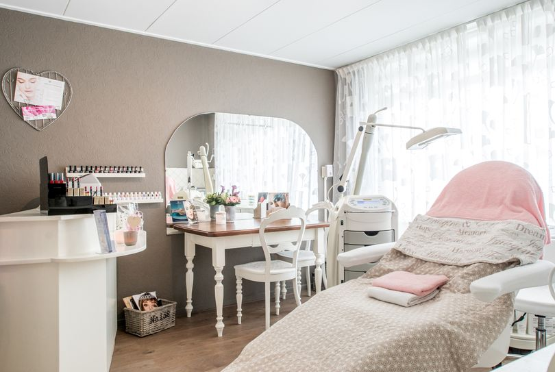 Edith's Beauty Corner, Den Helder - Face - Graaf Willem II straat 302