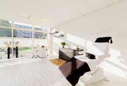 Nails Nieuwegein ((Cosmetic) Pedicure) - RUGILE BEAUTY