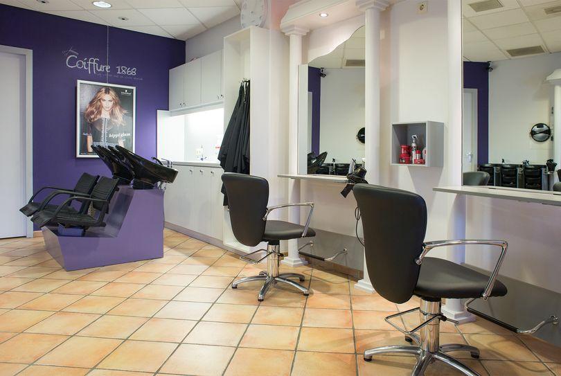 Coiffure 1868, Den Bosch - Hairdresser - Stationsplein 131