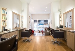Hairdresser Ixelles (Blow dry / styling) - By R Hairstyle