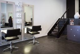 Hairdresser Bruxelles (Head/chair massage) - Wo'Men