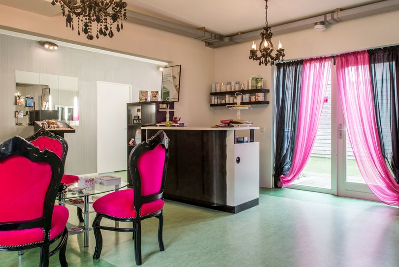 Beautysalon Auric skincare, Almere - Face - Paul Kleestraat 5