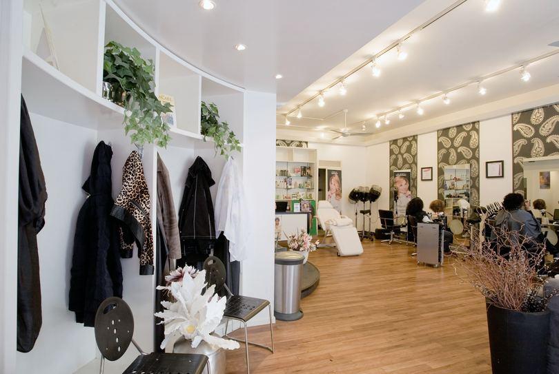 Merlien Hair & Weave Stylist, Purmerend - Hairdresser - Kerkstraat 19