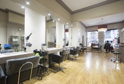 Hairdresser Saint-Gilles (Children's haircut) - La Venus-Bruxelles