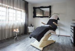 Face Groningen (Laser Treatment) - Yvonne Austin SkinClinic