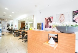 Hairdresser Evere (Blow dry / styling) - Coiffure G et D