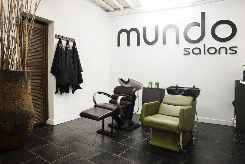 Mundo, Antwerpen - Kapper - Paardenmarkt 39