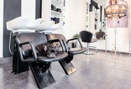 Depilation Utrecht (Threading/plucking and shaping eyebrows) - Kapsalon Gezellig