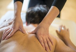 Massage Melle (Back massage) - Kizzy's Massagehuis