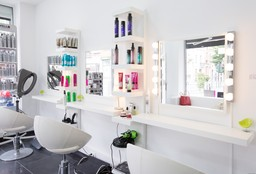 Hairdresser Bruxelles (Hair straightening) - Diana's Beauty
