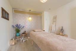 Massage Amsterdam (Foot reflexology massage) - &Joy Voetreflex