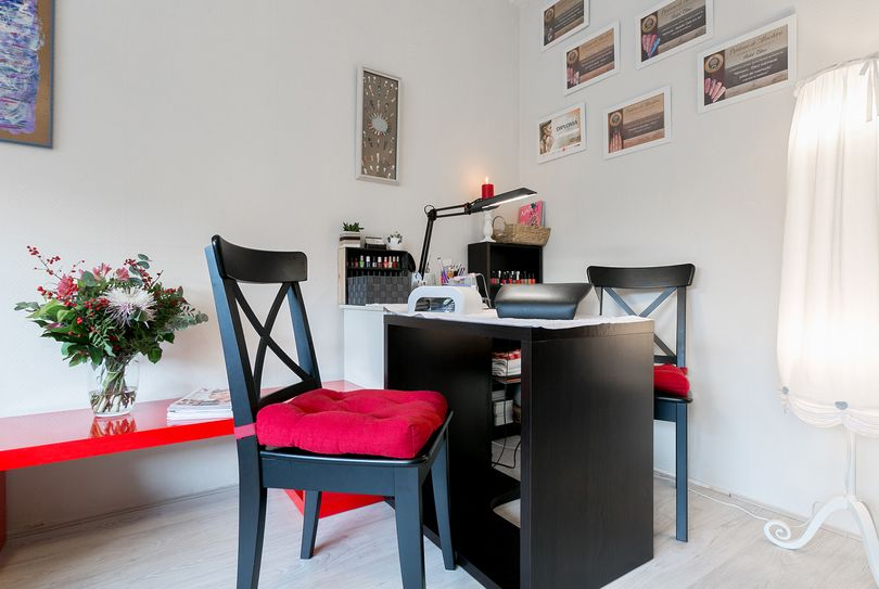 Elena Postol Nailart, Amsterdam - Nagels - Theodorus Majofskistraat 32