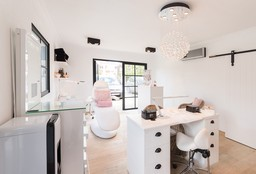 Massage Sint-Job-In't-Goor (Massage pierres chaudes) - Nailstyle